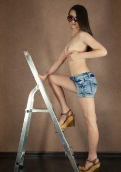 Красотка, юна, стройна, без вредных привычек, ищу мужчину для секса в Нижнем Тагиле